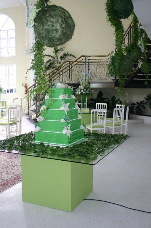 mesa-para-bolo-com-tampo-de-150-x-150-e-base-revestida-com-tecido---diversas-cores-3109860010.jpg