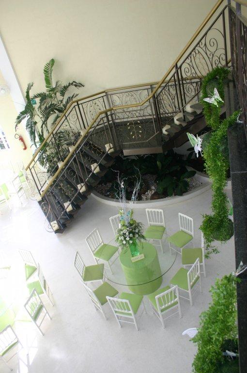 mesa-para-convidados-i-6476044869.jpg